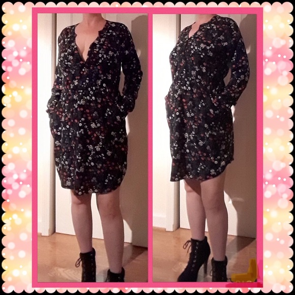 Allegra K Dresses & Skirts - Long Sleeve Floral V-Neck Pocket Dress